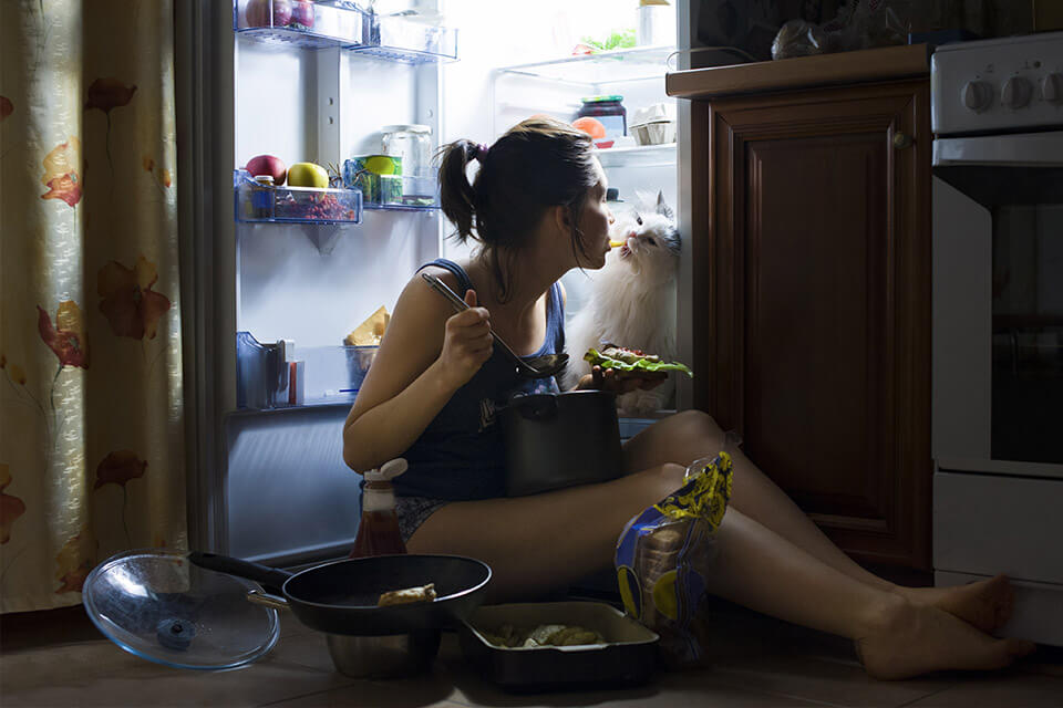 Eating at night won't help your low calorie diet goals