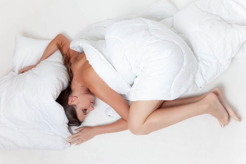 natural sore throat remedies - sleep & relaxation
