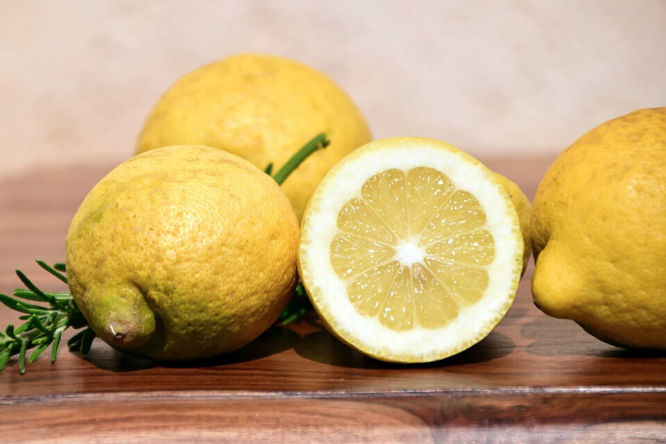 Vitamin C is essential to the benefits of drinking lemon water